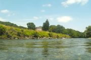 Kayaking on the beautiful Garonne river