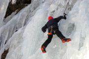 Learning ice climbing in France