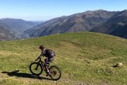 Womens MTB above Luchon