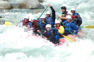 River swell rafting on the river