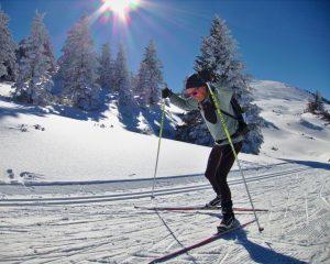 Skating style cross country skiing