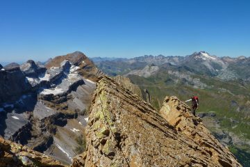 Learn climbing skills on summer alpinism course