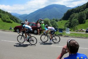 Encouraging TDF riders on the climb to col de Menté