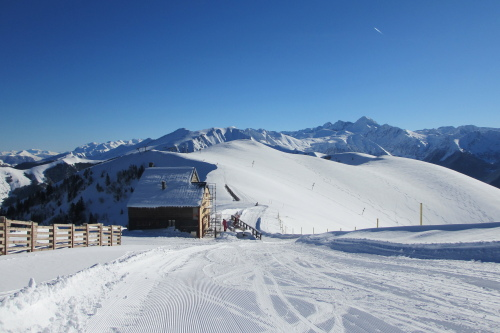 Le Mourtis family friendly ski resort French Pyrenees