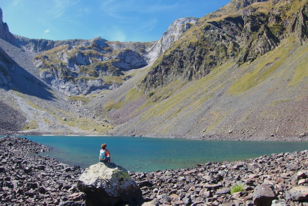 Mindful hiking to a Pyrenees mountain lake